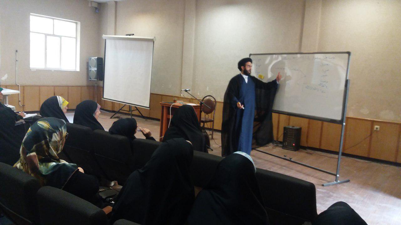 برگزاری نشست تخصصی دانش افزایی معارف غدیر در ساوه